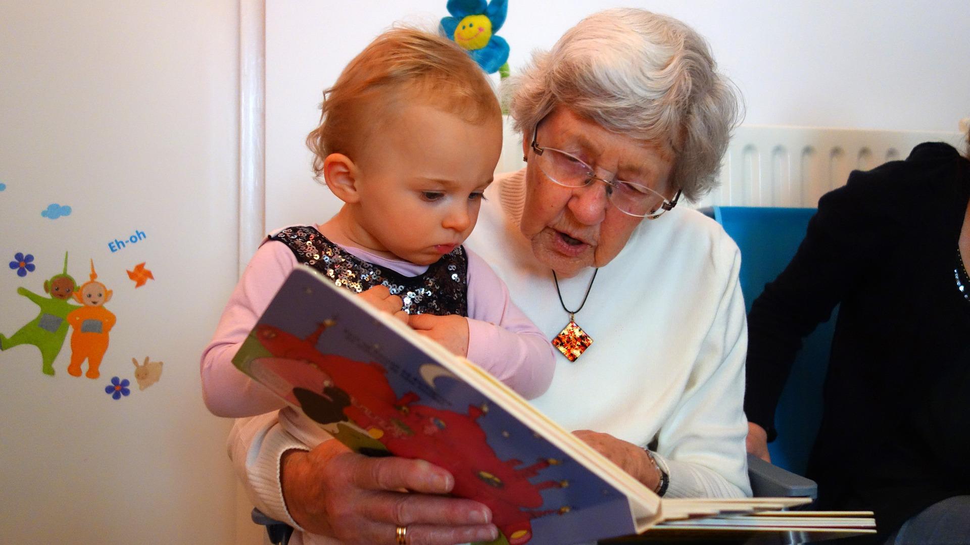Read to Me Grandma