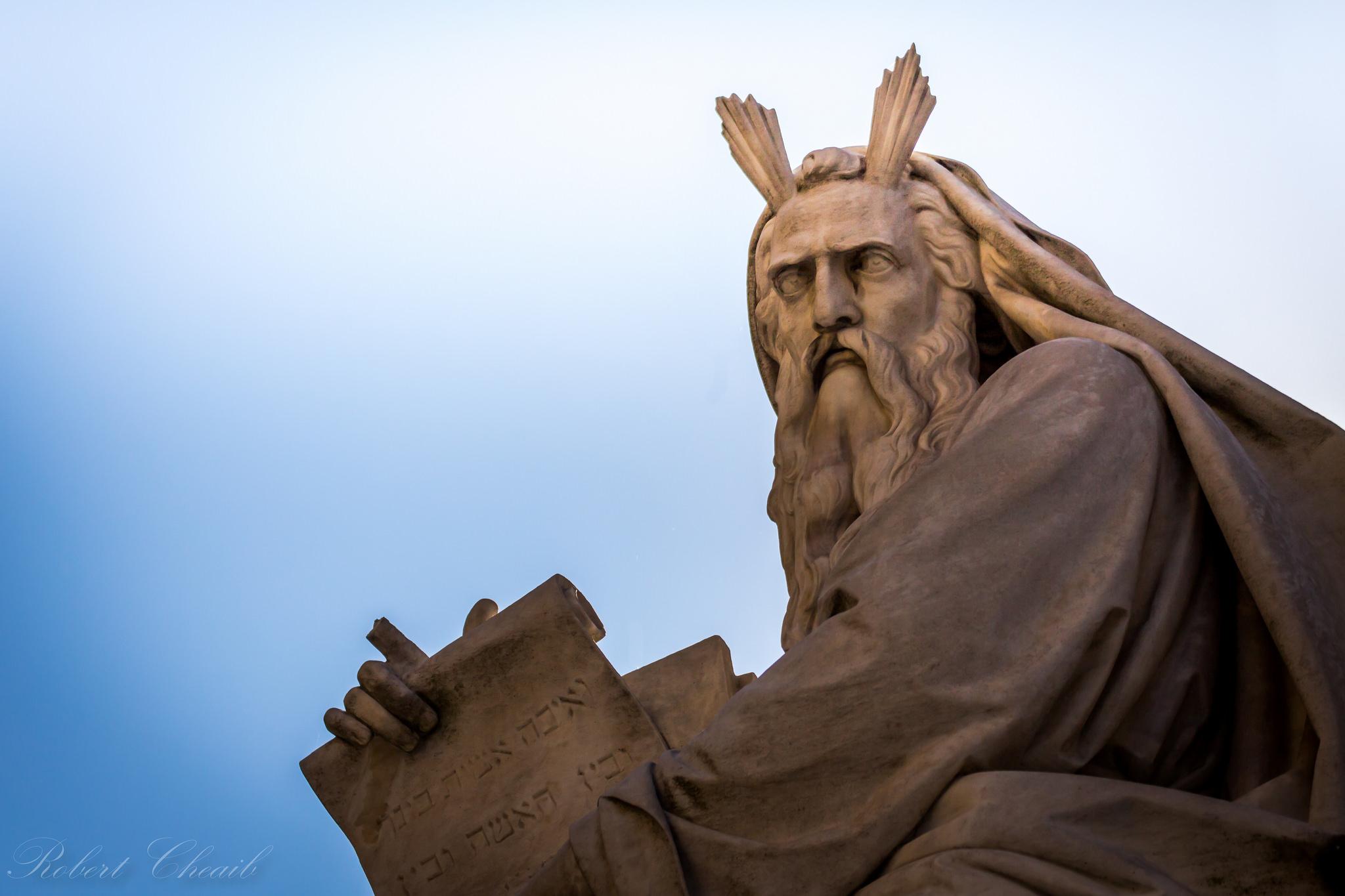 Moses - Ten Comandments Bible