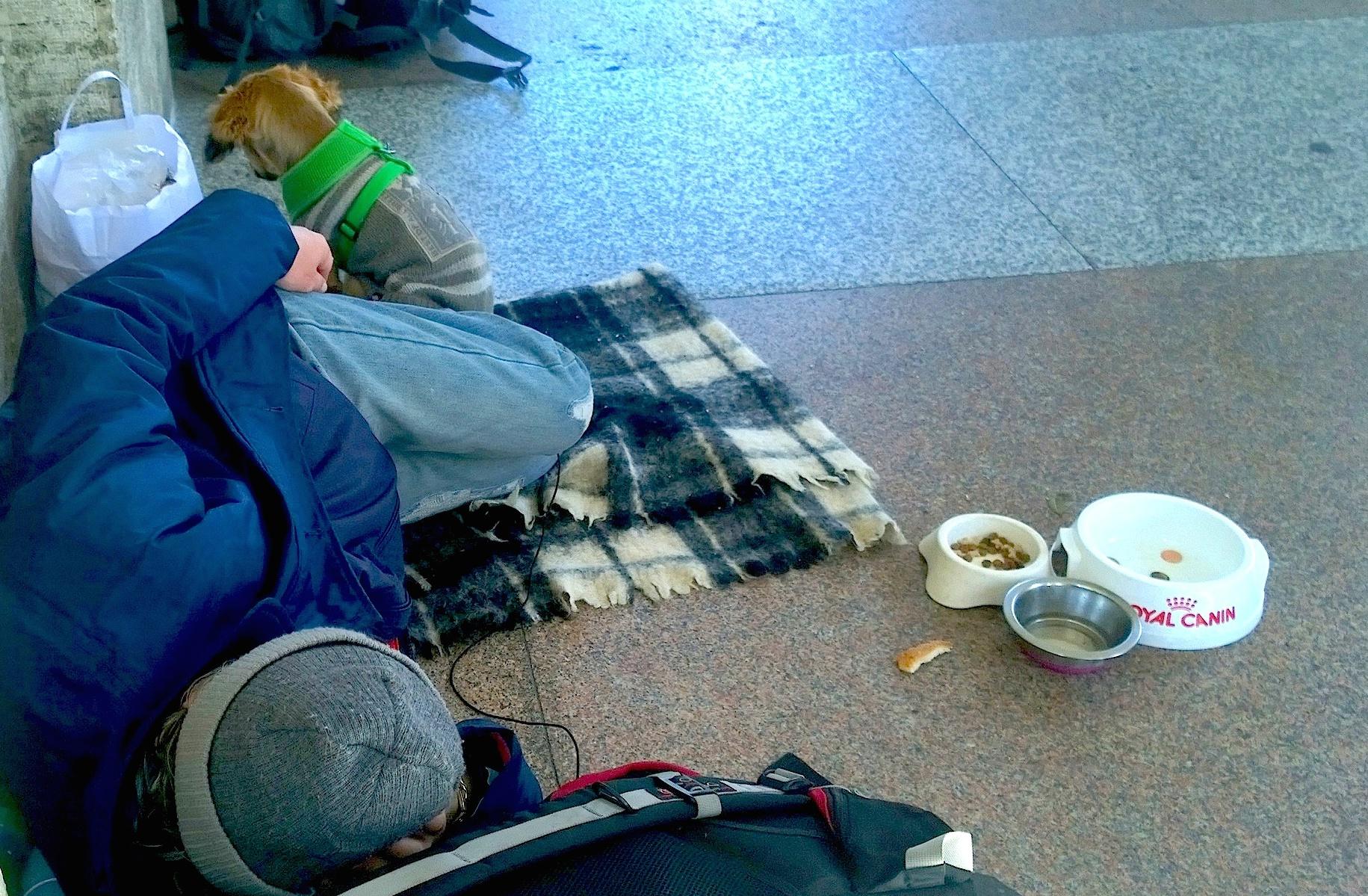 Homeless sleeping near de Vatican City  - Rome  april 2015