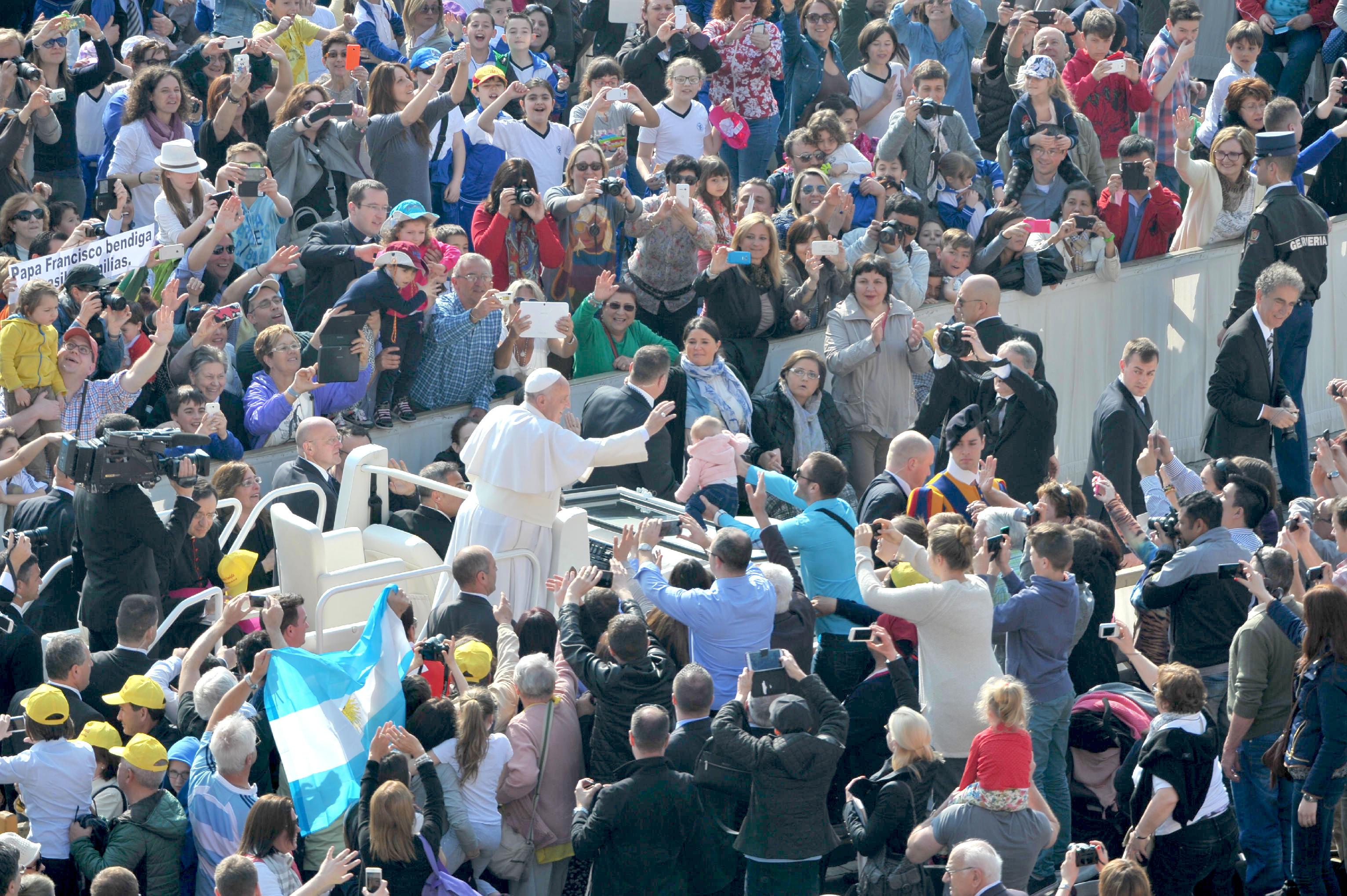 Pope Francis hearing April 14 2015