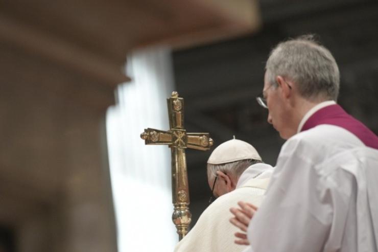 عناوين نشرة الاثنين 25 تشرين الأوّل 2021: الصلاة أمام يسوع