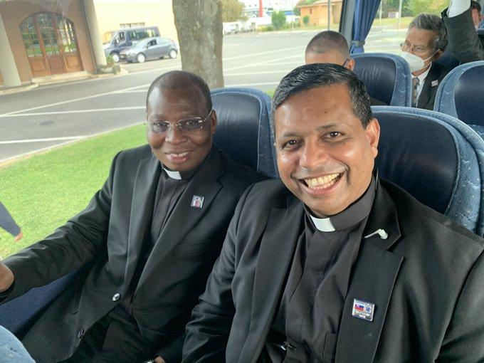 تسلّم وتسليم في تنظيم رحلات البابا والاحتفالات الليتورجيّة